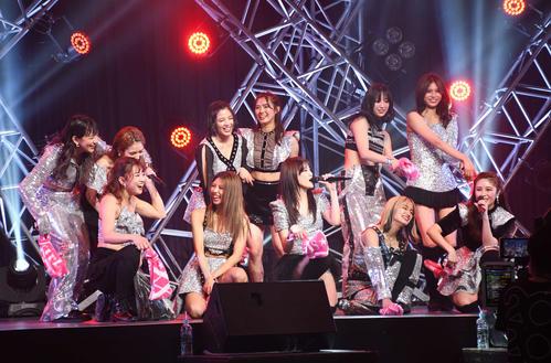 無観客ライブイベントを「ニコニコ生放送」で生配信したE-girls(2020年3月26日)