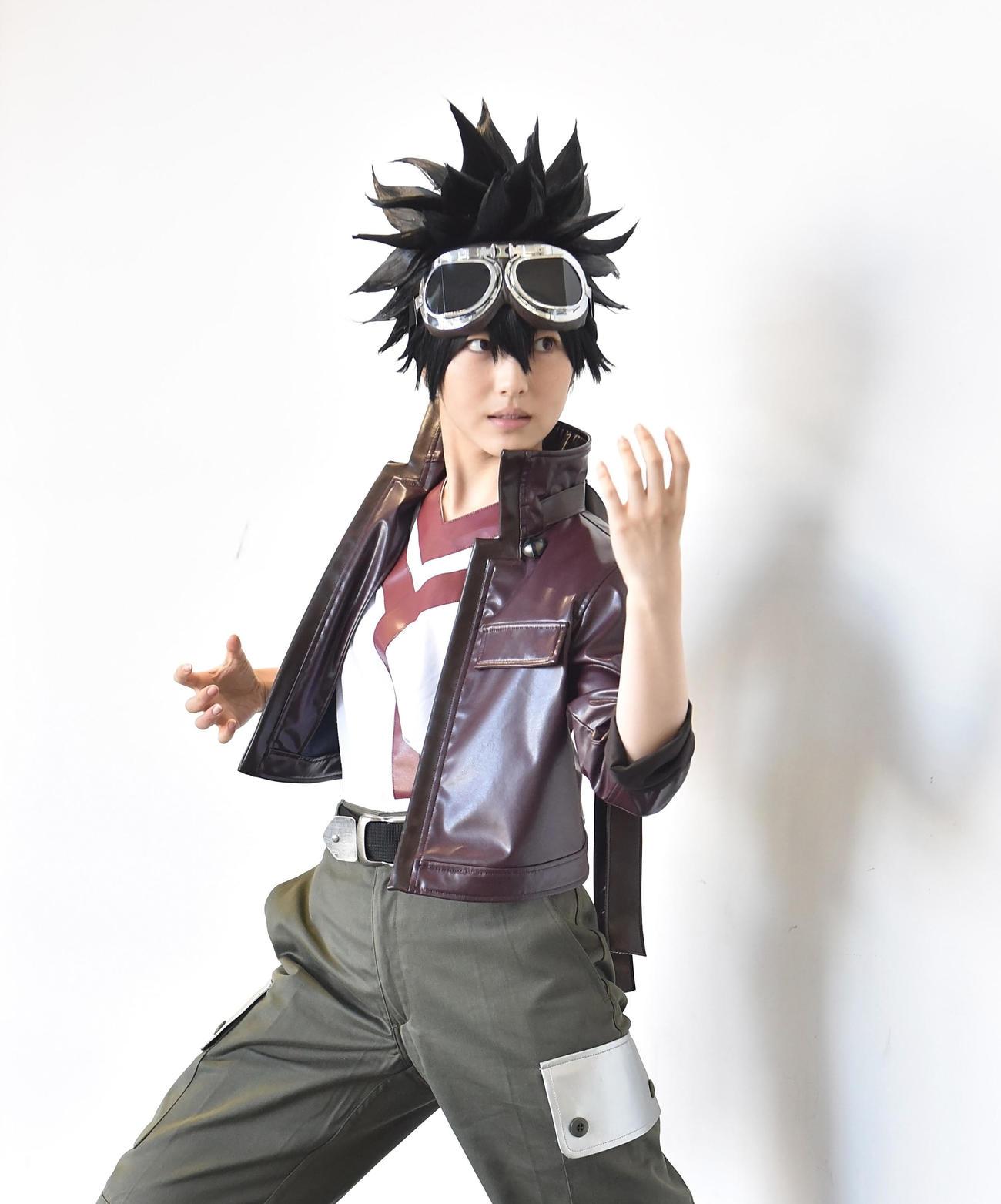 日本テレビ系「ウチの娘は、彼氏が出来ない!!」でアニオタ女子大生役を演じ、コスプレ姿を披露する浜辺美波