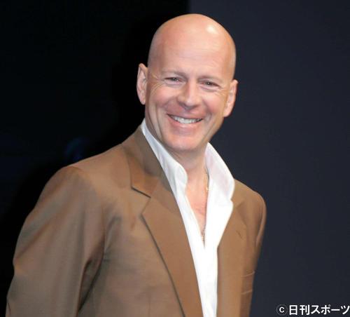 映画「ダイ・ハード4.0」の来日記者会見で笑顔を見せるブルース・ウィリス(07年6月12日)
