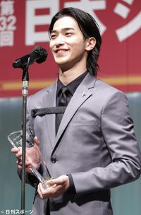 【エンタメ】「女優の横浜流星です」ジュエリー賞受賞で一ボケ