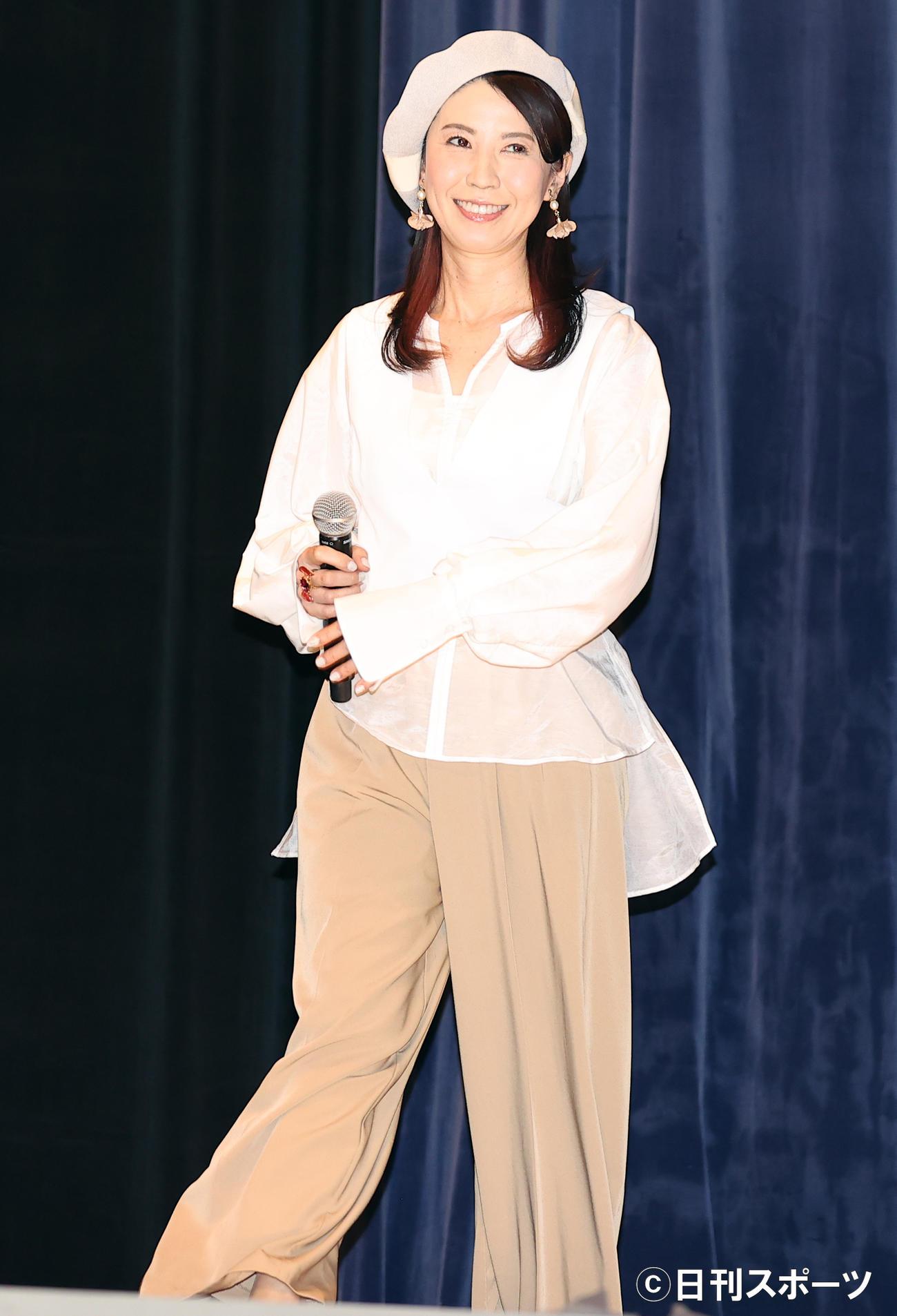 劇場版「美少女戦士セーラームーンEternal」の舞台あいさつに登壇した三石琴乃(撮影・浅見桂子)