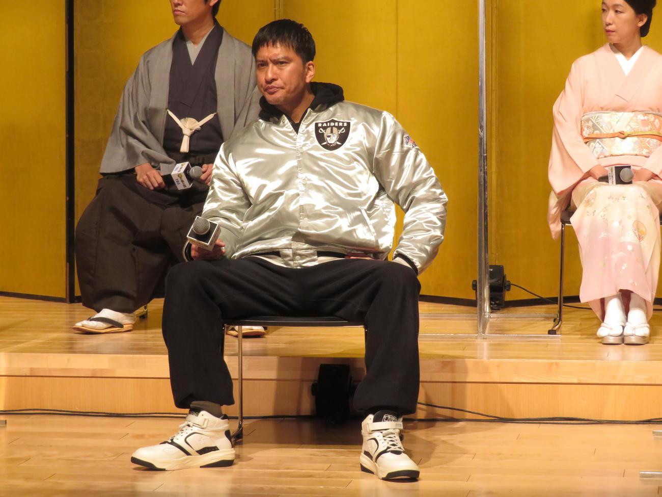 ドラマ「俺の家の話」の会見に出席した主演の長瀬智也(撮影・横山慧)