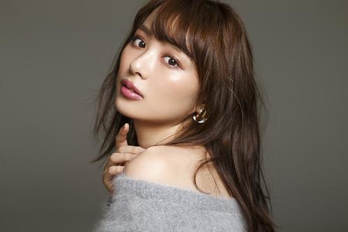 日本テレビで2月27日と3月6日に放送する実験的恋愛ドラマバラエティー番組「夢みたいな恋したい女たち」で地上波初MCを務める内田理央