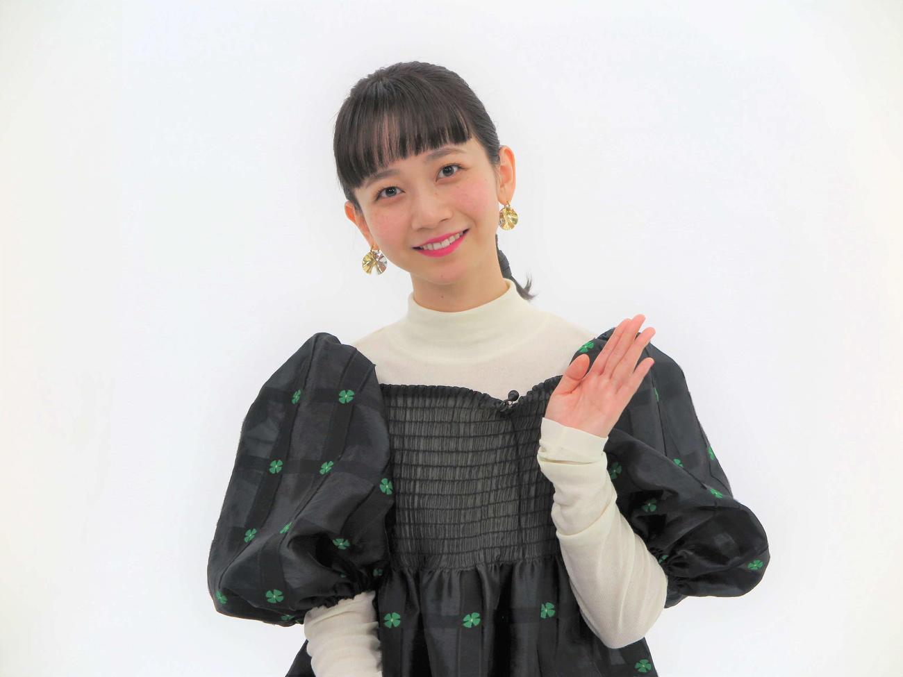 テレビ東京系特番「ぼくらの青春軽音楽部」に出演する三戸なつめ