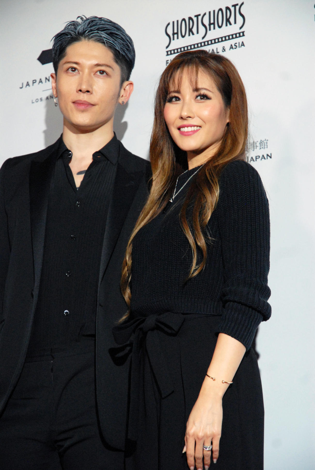 MIYAVI(左)とmelody.夫妻(2019年1月17日撮影)