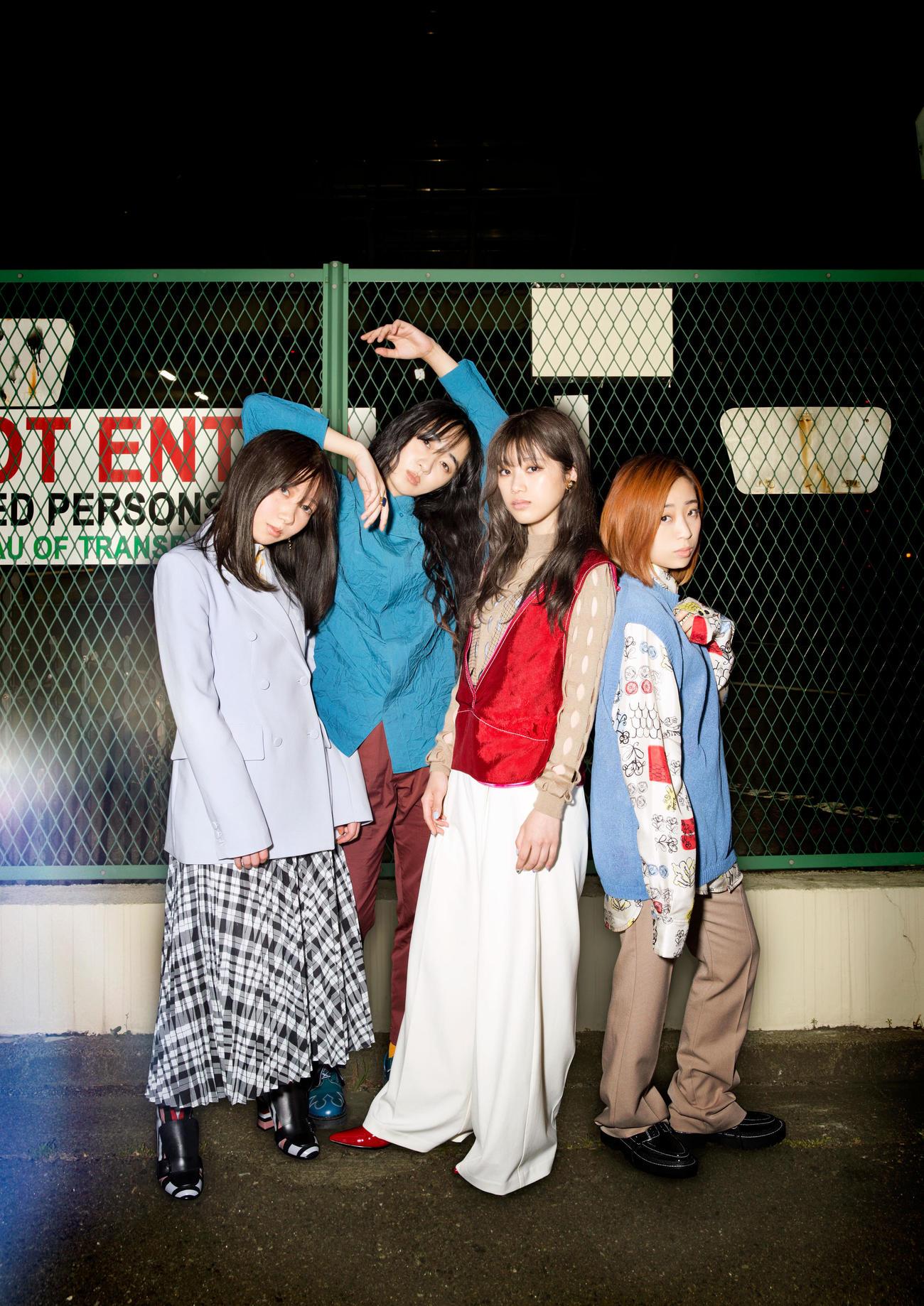 4人組ロックバンドの「赤い公園」。左から藤本ひかり、津野米咲、石野理子、歌川菜穂