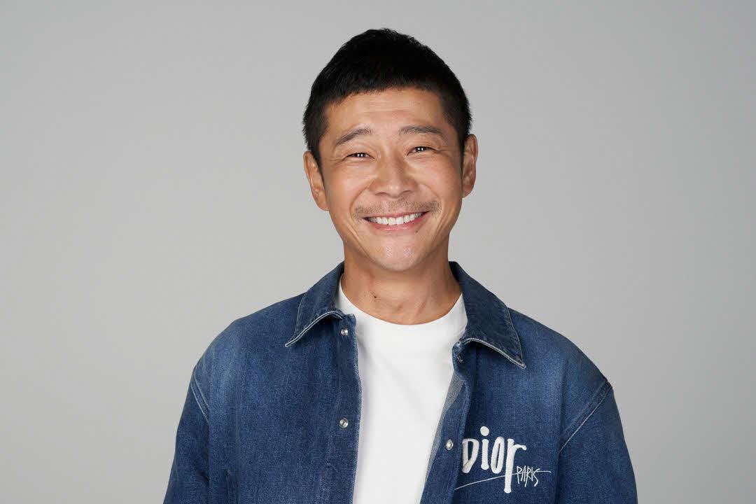3日午前、ツイッターを更新し、宇宙プロジェクト「dearMoon」の同乗者を世界中から8人、募集すると発表した前澤友作氏
