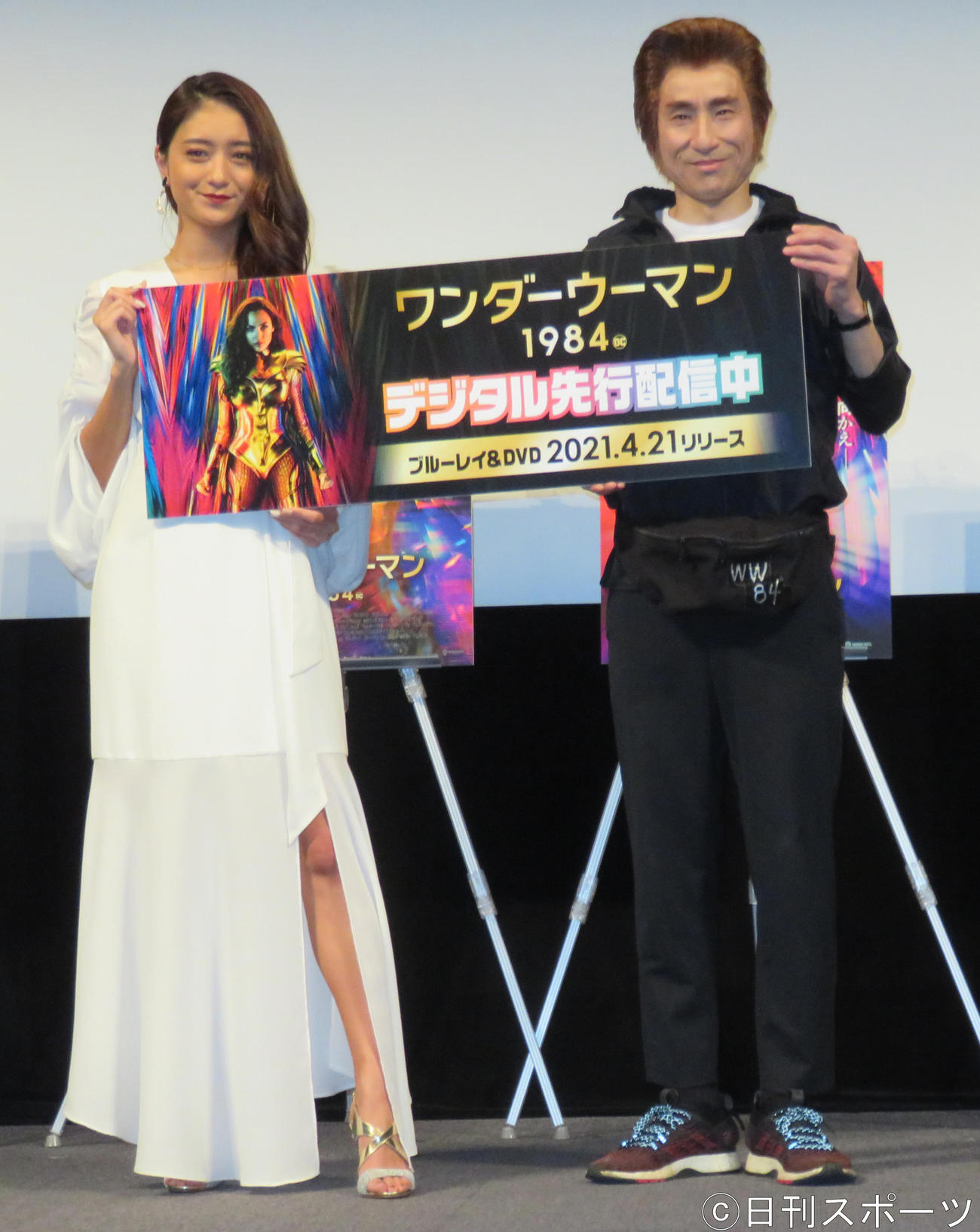イベントに出席した池田美優(左)なだぎ武(撮影・佐藤勝亮)