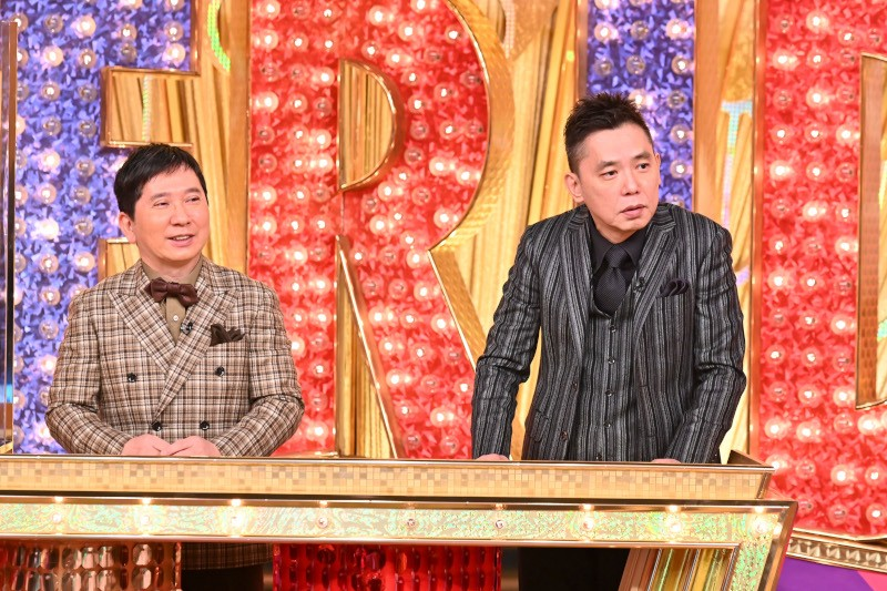 TBS系「爆報!THEフライデー」最終回でMCに復帰した爆笑問題の田中裕二(左)と相方の太田光(C)TBS