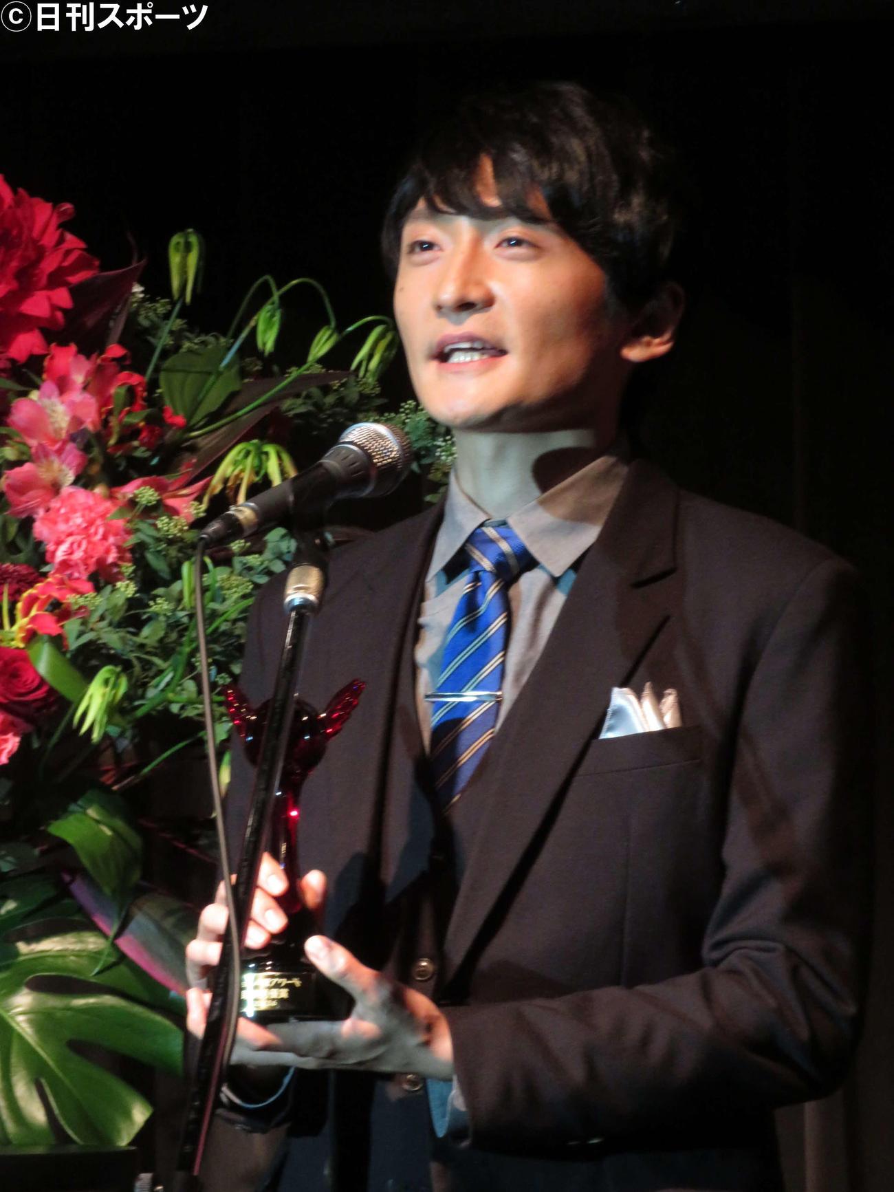 第15回声優アワードで助演男優賞を受賞した島崎信長(撮影・村上幸将)