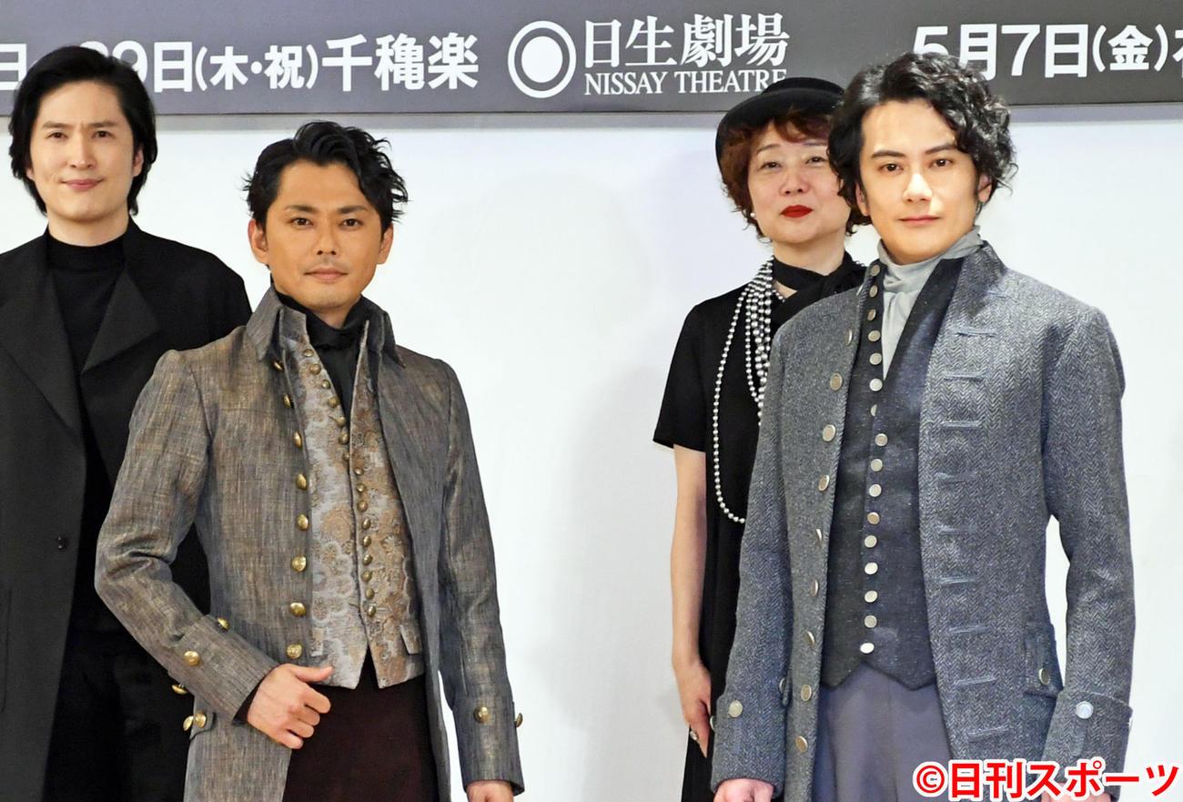 ミュージカル「ゴヤ-GOYA-」製作発表記者会見に出席した今井翼(左)と小西遼生(撮影・大友陽平)
