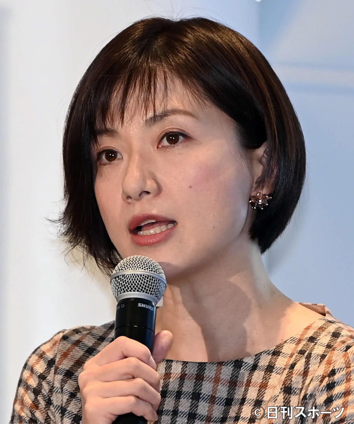 梅津弥英子アナ一緒に写真「相変わらずの小倉節」笑 | 朝日新聞 ...