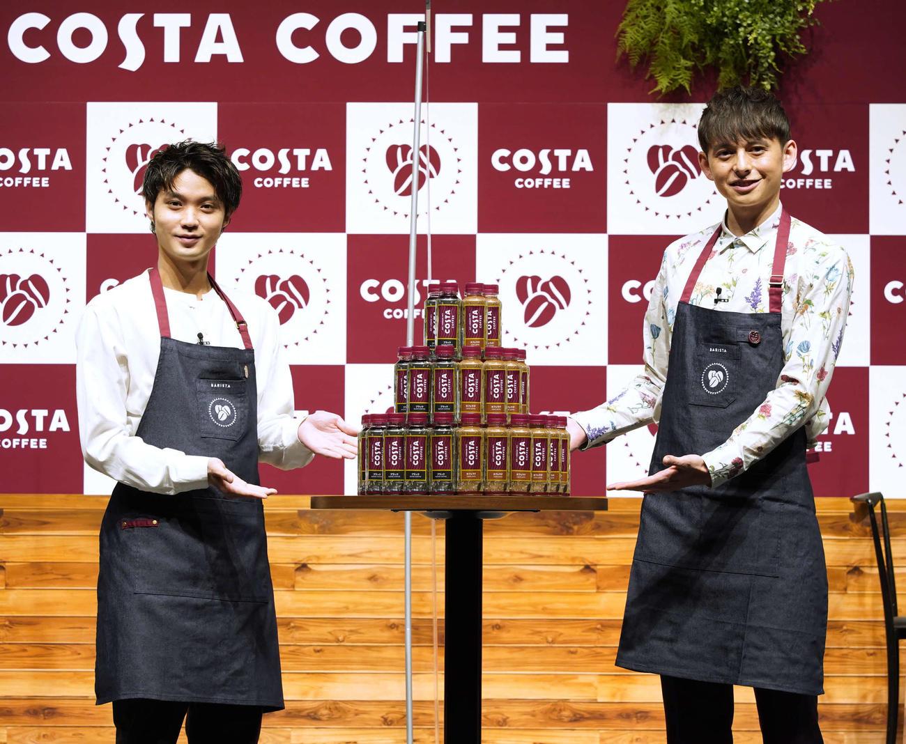 新商品の発売イベントに出席した磯村勇斗(左)とハリー杉山