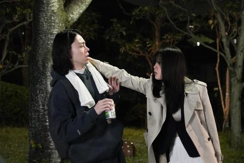 17日スタートの日本テレビ系ドラマ「コントが始まる」に出演する菅田将暉(左)と有村架純