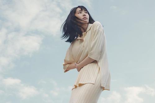 「H&M」の新キャンペーン「LET'S CHANGE」のアンバサダーに就任した、新垣結衣