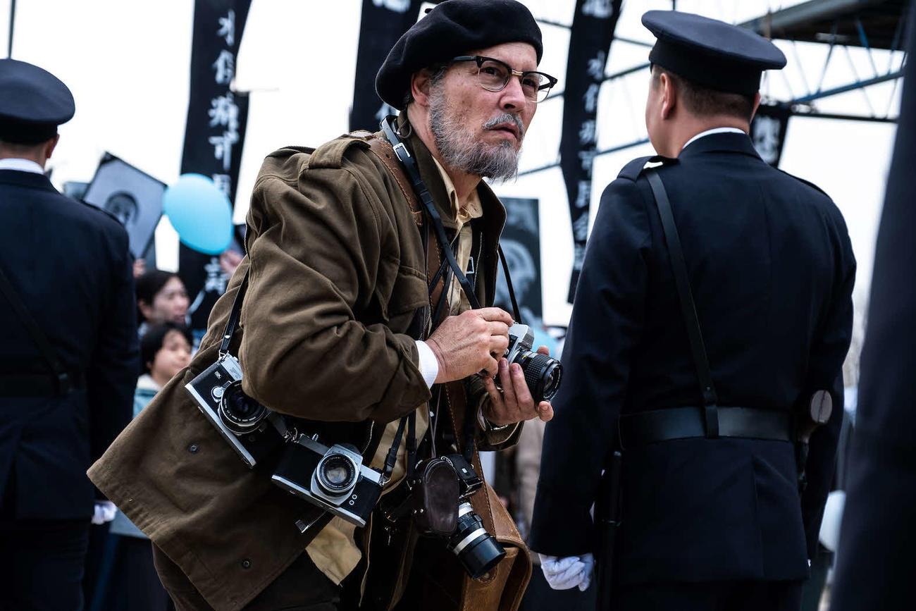 映画「MINAMATA」で、水俣病の存在を世界に知らしめた写真家ユージン・スミス氏を演じたジョニー・デップ(C) Larry Horricks