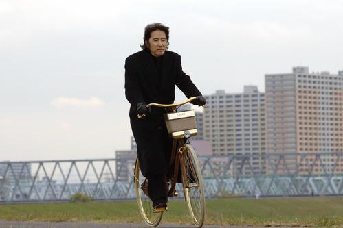 フジテレビ「古畑任三郎」シリーズで探偵の古畑任三郎を演じた田村正和さん(フジテレビ提供)
