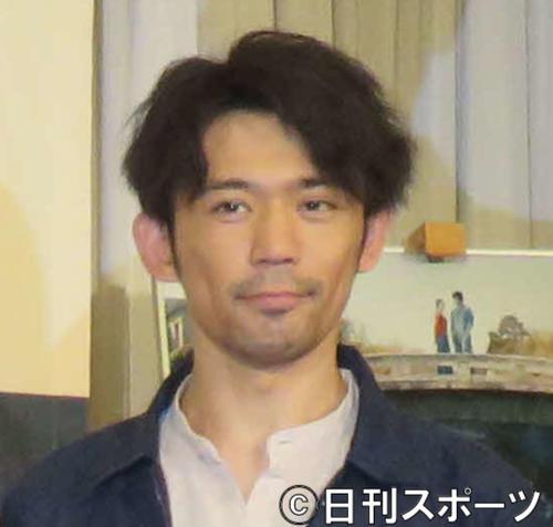 岡田義徳(15年11月撮影)