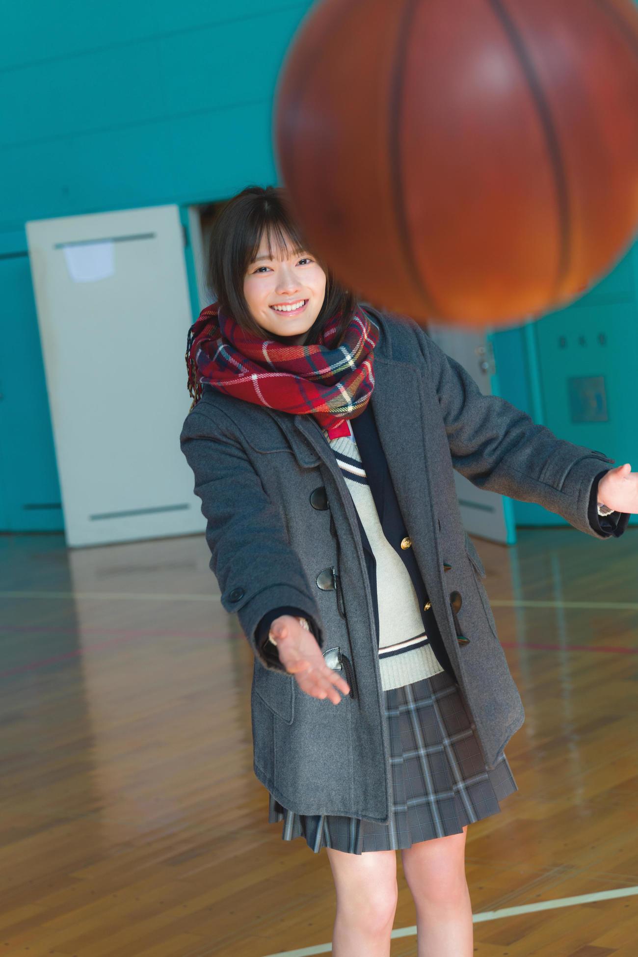 櫻坂46田村保乃ファースト写真集の先行カット 撮影/Takeo Dec.