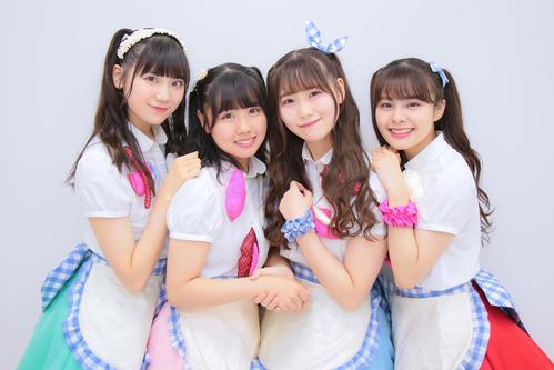 「アイドルエッセンス公演」をスタートさせたSmoreの、左から藤崎未夢、古舘葵、小熊倫実、本間日陽(c)Flora