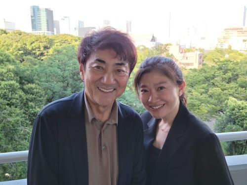 離婚を発表した市村正親(左)と篠原涼子=7月都内にて