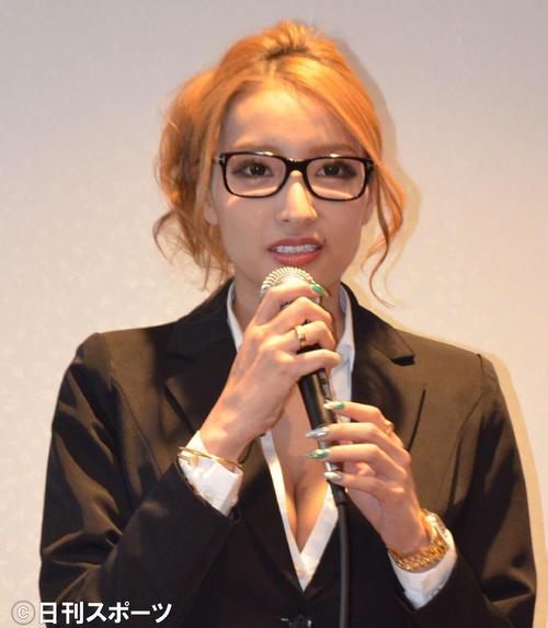 加藤紗里(2017年1月撮影)