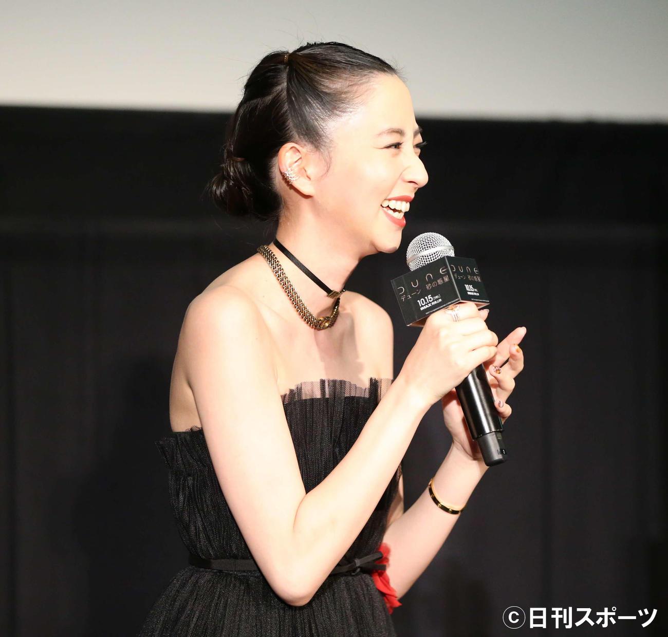 映画「DUNE/デューン 砂の惑星」試写会イベントで笑顔をみせる河北麻友子(撮影・阿部泰斉)