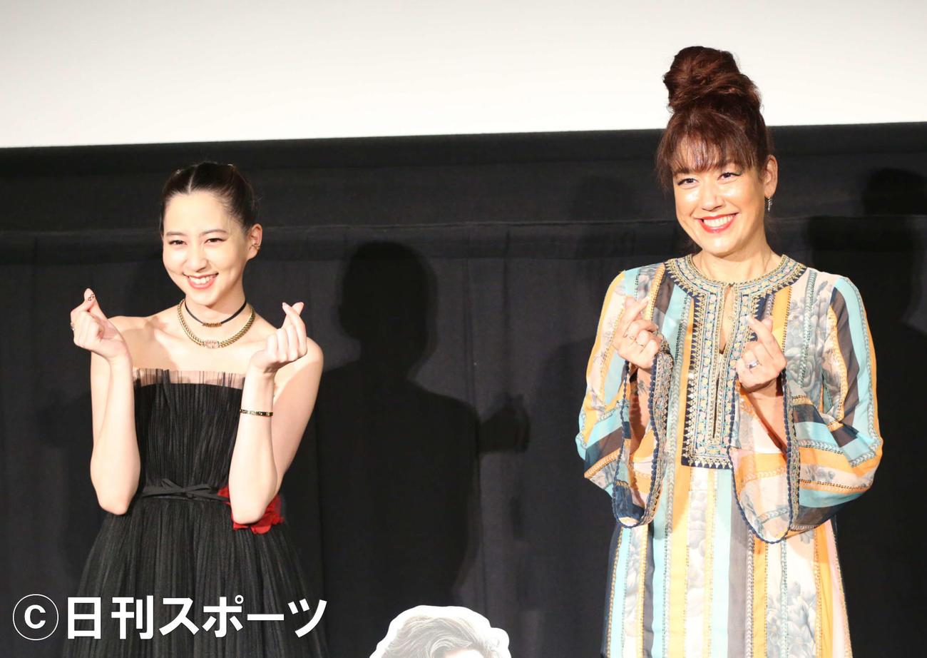 映画「DUNE/デューン 砂の惑星」試写会イベントに登壇した河北麻友子(左)とLiLiCo(撮影・阿部泰斉)