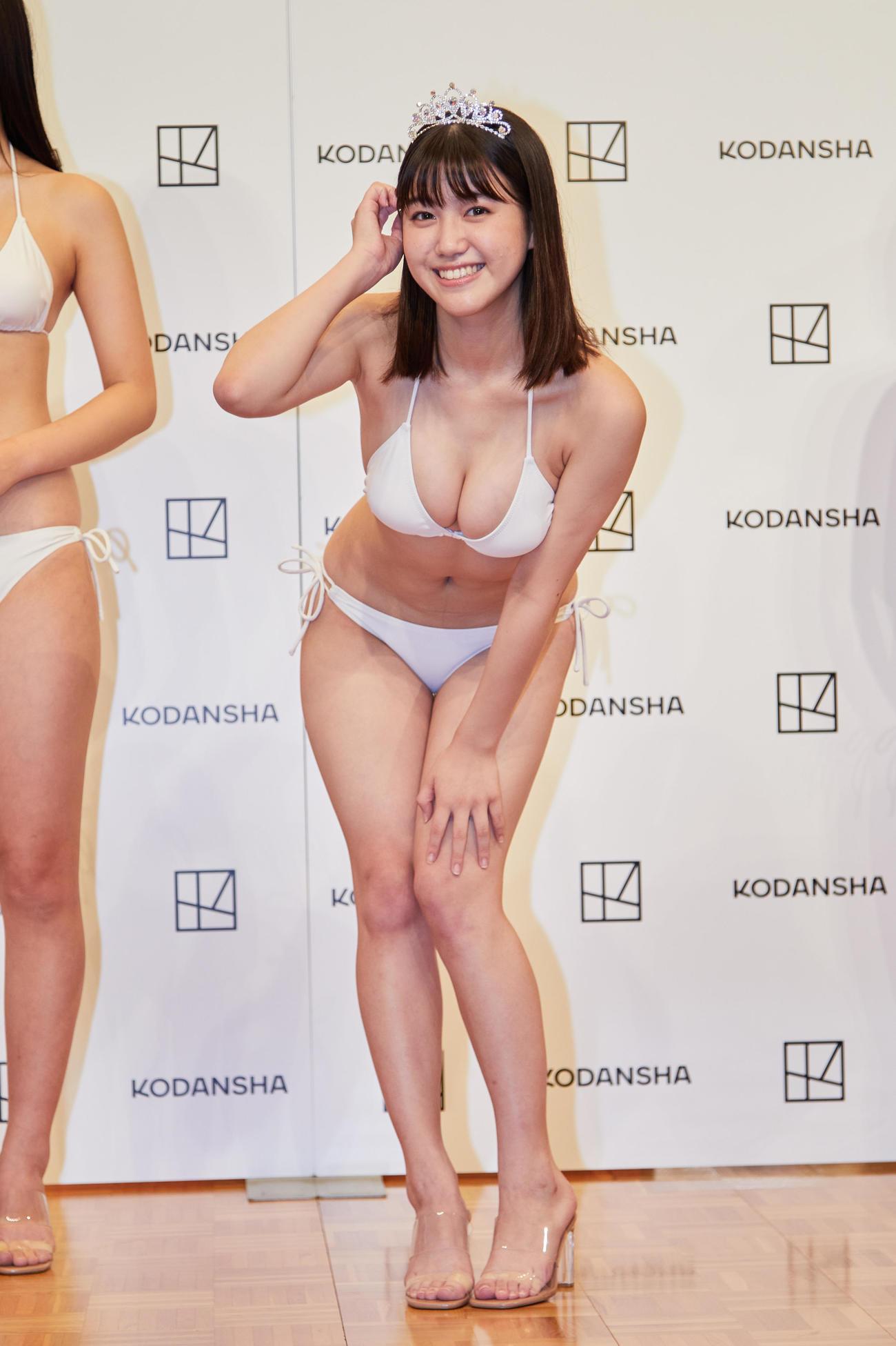 「ミスマガジン2021」でグランプリを獲得した和泉芳怜