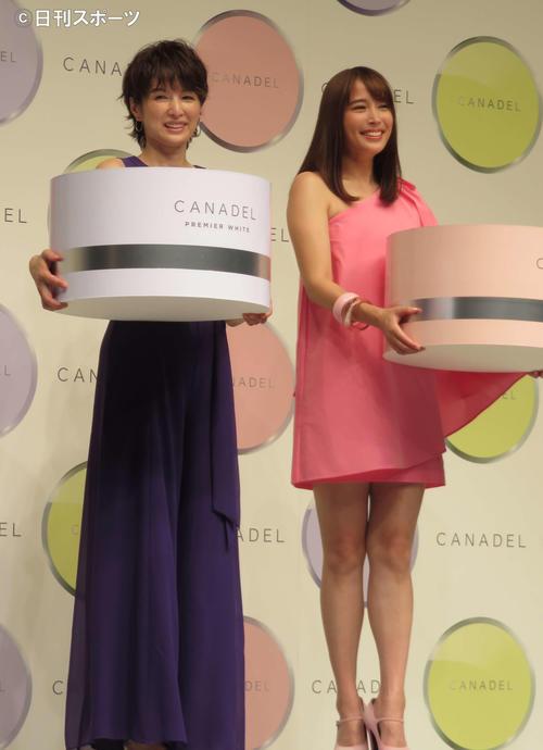 「CANADEL(カナデル)」の新CM発表会に出席した吉瀬美智子(左)、広瀬アリス