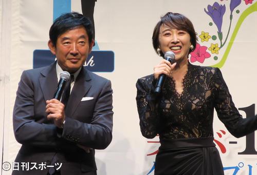 「美バ-1グランプリ」発表会に登壇した石田純一(左)と紫吹淳