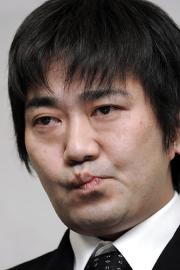 事件 メッセンジャー 黒田 「メッセンジャー」黒田、ガールズバーで暴行容疑で逮捕
