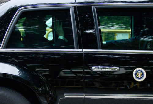 米朝首脳会談の会場に向かうトランプ米大統領(AP)