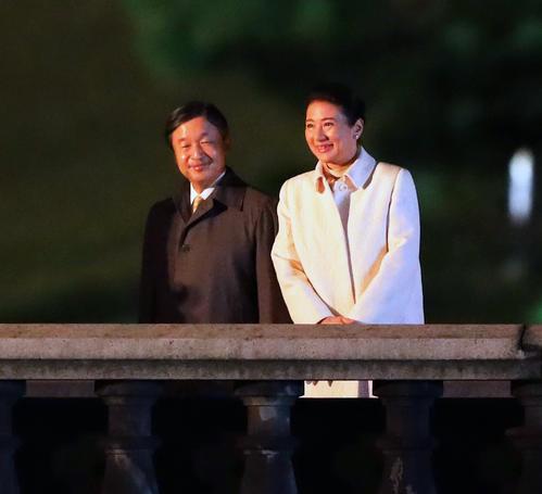 国民祭典で退出される天皇皇后両陛下(2019年11月9日撮影)