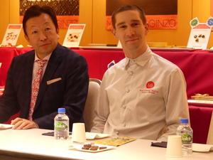 日本初上陸で、松屋銀座で会見したイケメンショコラティエ、マチュー・ビジュー氏(右)
