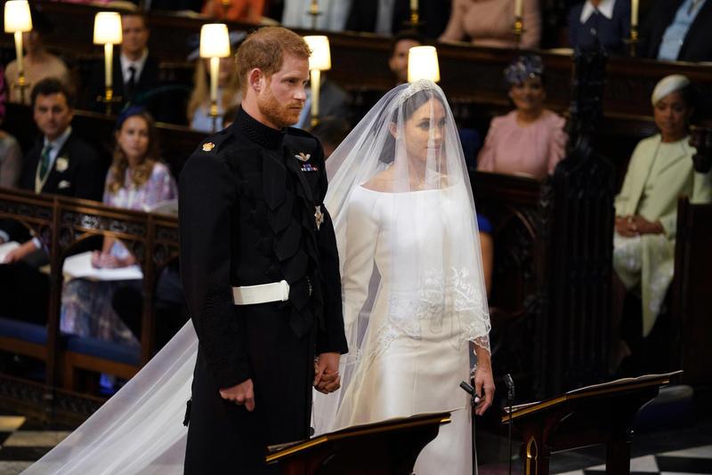 メーガン妃のドレスは…