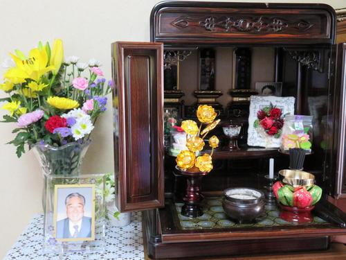 有料老人ホーム「サニーライフ北品川」で殺害された、黒沢喜八郎さんの仏壇(撮影・村上幸将)
