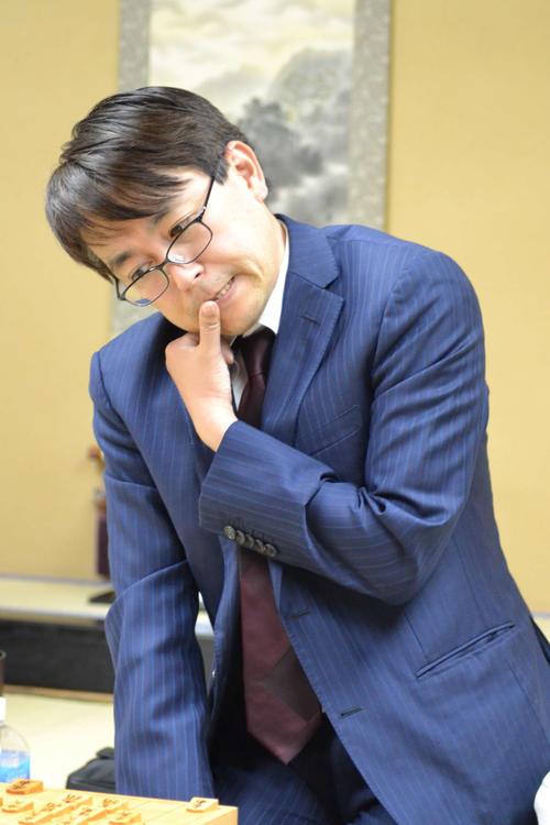 将棋界歴代最多タイの1433勝を挙げた羽生善治九段(撮影・赤塚辰浩)