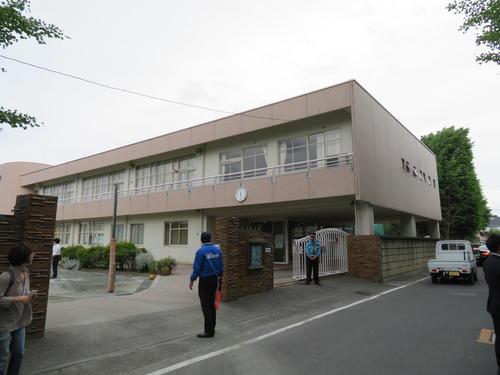 被害に遭った児童が通うカリタス小学校(撮影・村上幸将)