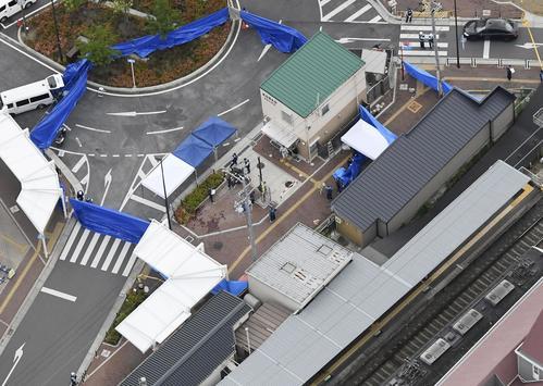 警察官が刺され拳銃が奪われる事件があった千里山交番周辺。右下は阪急千里山駅(共同)