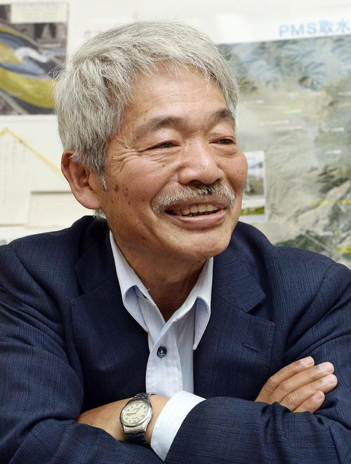 インタビューに答える中村哲さん(共同)