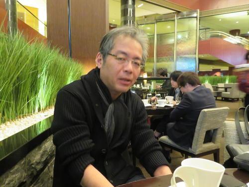 「悪政も行き着くと喜劇になる」と安倍政権について語る青木理さん