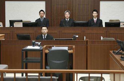 相模原障がい者施設殺傷事件で、植松聖被告の裁判員裁判初公判が開かれる横浜地裁の法廷(代表撮影、共同)