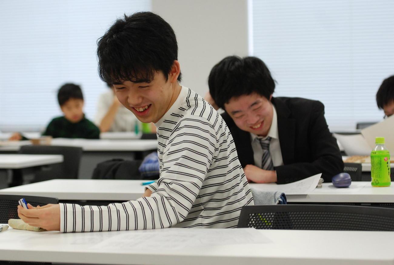 19年3月31日に行われた、第16回詰将棋解答選手権で5連覇を達成した藤井聡太七段