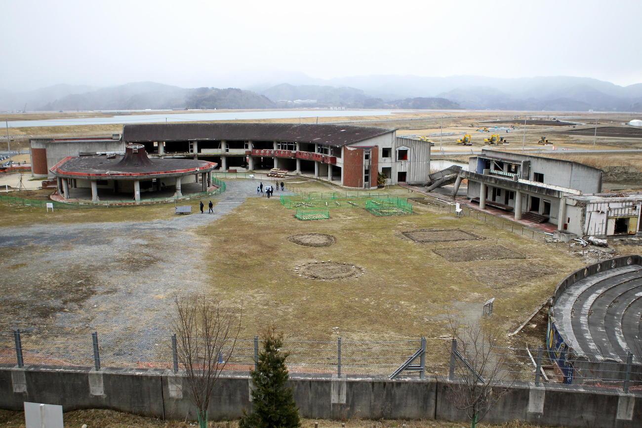 震災から9年が経過する大川小の全景(撮影・三須一紀)