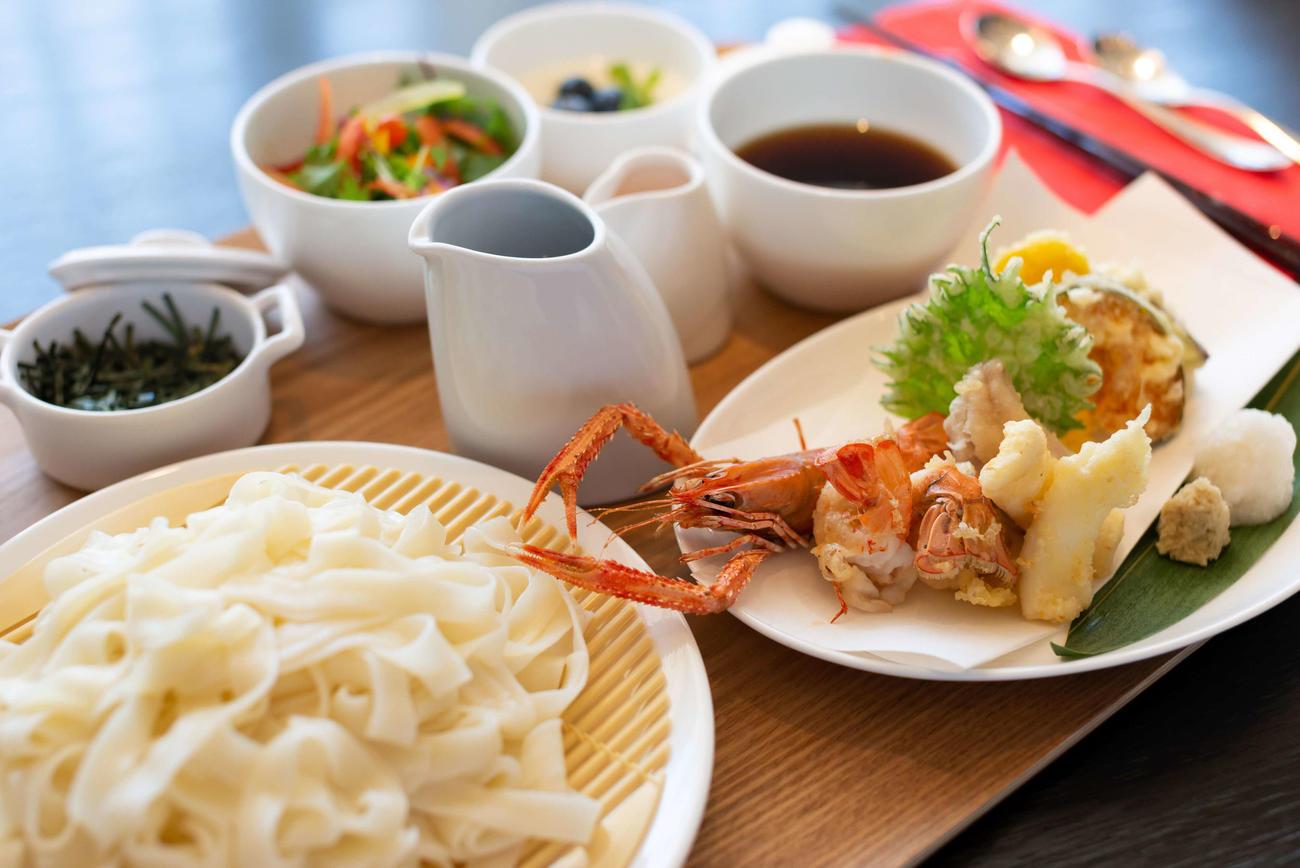 2日目の昼食に藤井聡太七段が注文した「冷やしきしめん御膳」(日本将棋連盟提供)