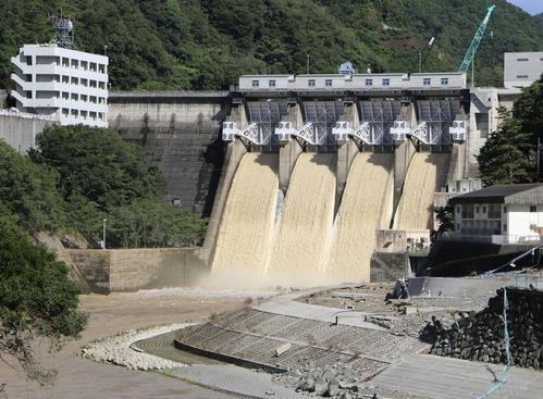 愛媛県大洲市の鹿野川ダム(共同)