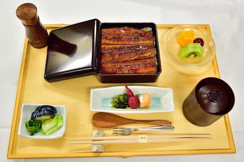 木村一基王位が勝負メシに注文した「うな重膳(ご飯少なめ)」(日本将棋連盟提供)