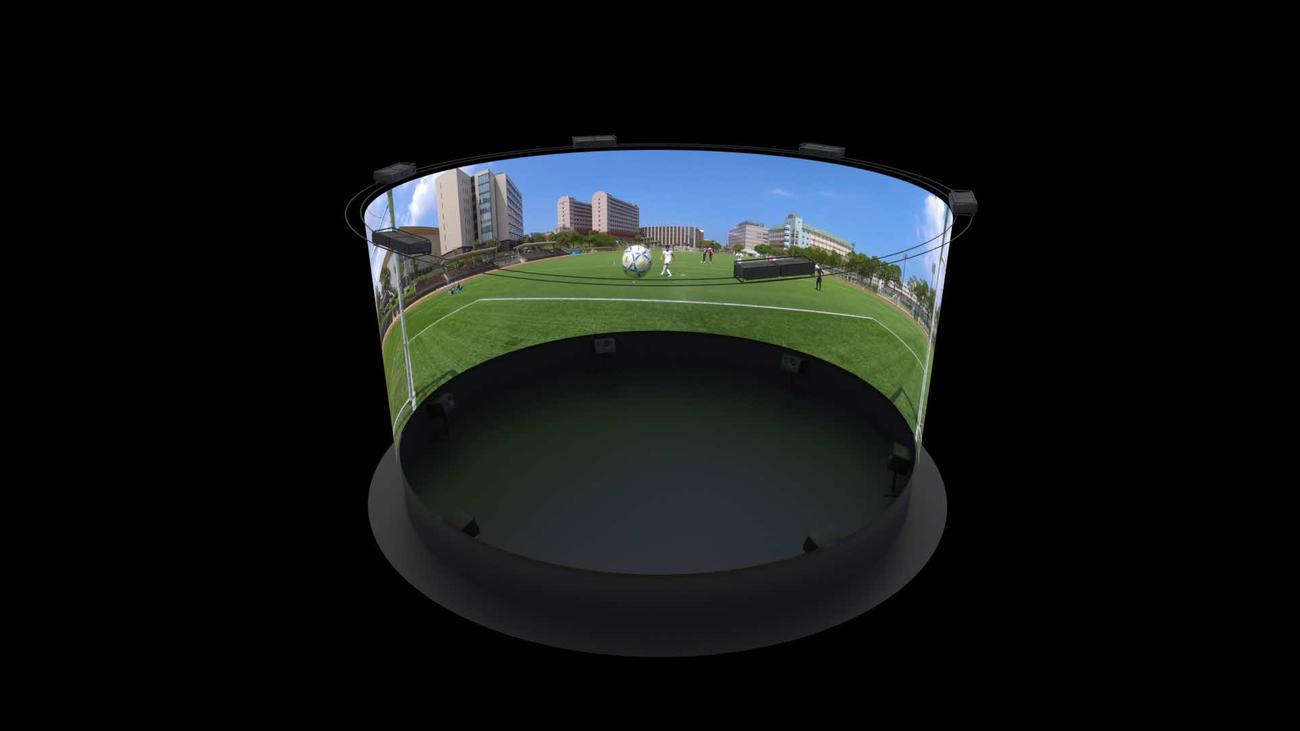 360度シアターで3D化されたサッカーの映像(九産大提供)