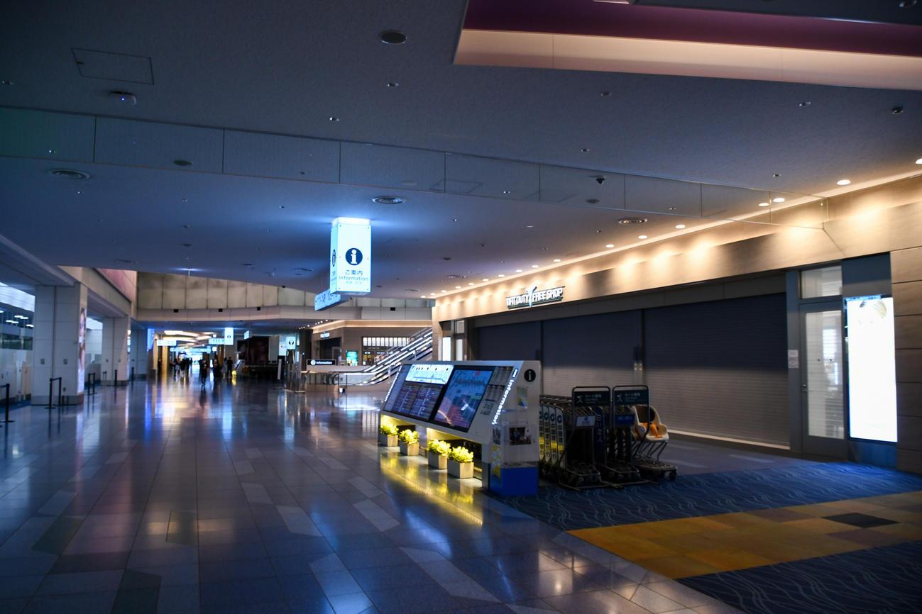 閑散とした7月の羽田空港国際線出発ロビー(鳥海氏提供)